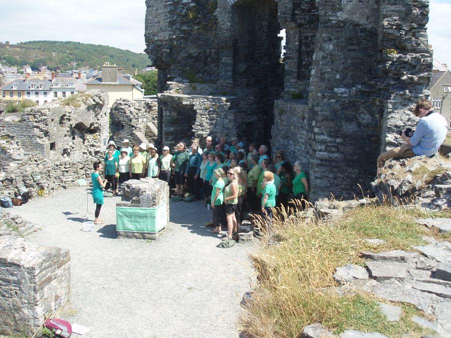 Screet Choir Festival 2013 in Aberystwyth - busking in the castle ruins
